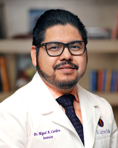 Dr. Miguel Montalvo